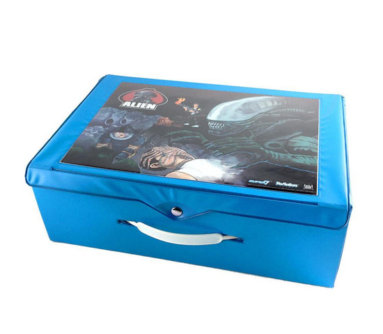 ReAction with Glow-in-the-Dark Big Chap Alien Xenomorph Action Figure Carry Case
