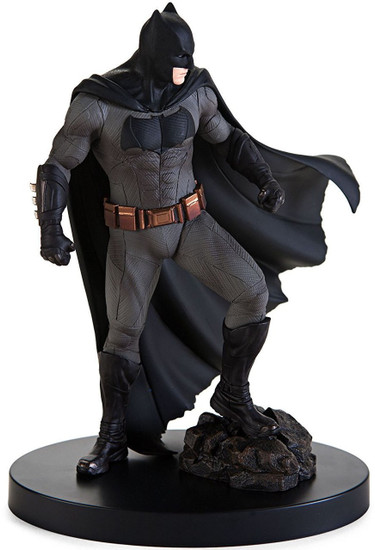 DC Justice League Batman 7.8-Inch Collectible PVC Figure