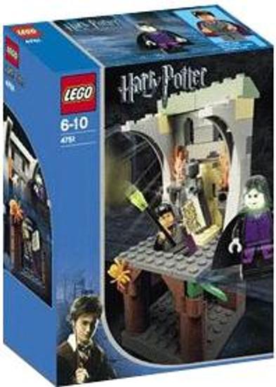 LEGO Harry Potter Prisoner of Azkaban Harry and the Marauder's Map Set #4751 [Damaged Package]