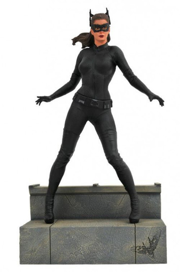 The Dark Knight Rises DC Gallery Catwoman 9-Inch Collectible PVC Statue [Movie Version]