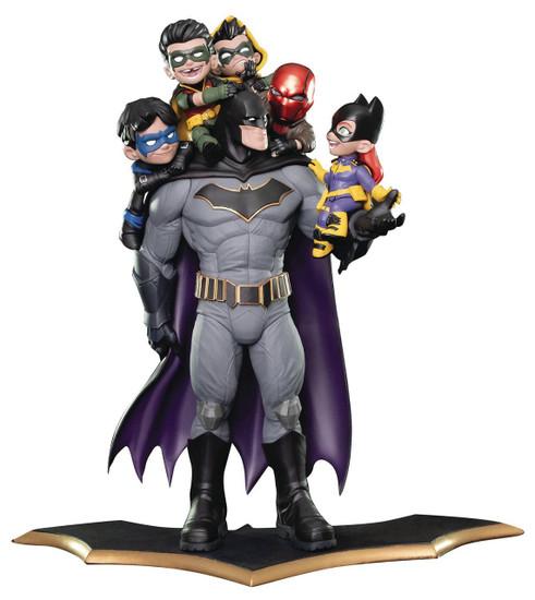 DC Q-Master Batman & Family 15-Inch Diorama Figure