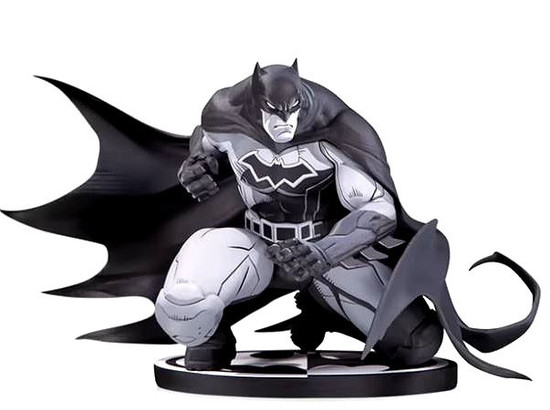 Black & White Batman 7-Inch Statue [Joe Madureira]