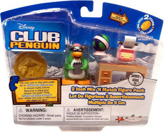 Club Penguin Mix 'N Match Series 10 Aunt Arctic with Writing Mini Figure Set [Damaged Package]