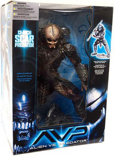 McFarlane Toys Alien vs Predator Alien vs. Predator Movie Scar Predator Deluxe Action Figure [Damaged Package]
