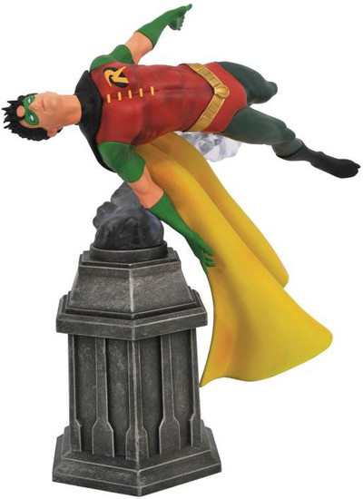 DC Gallery Robin 9-Inch PVC Statue [Damaged Package]