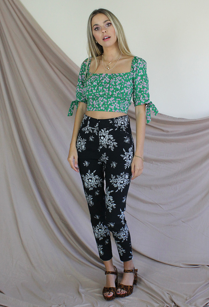 CALIstyle Trendsetter Pant In Black Floral