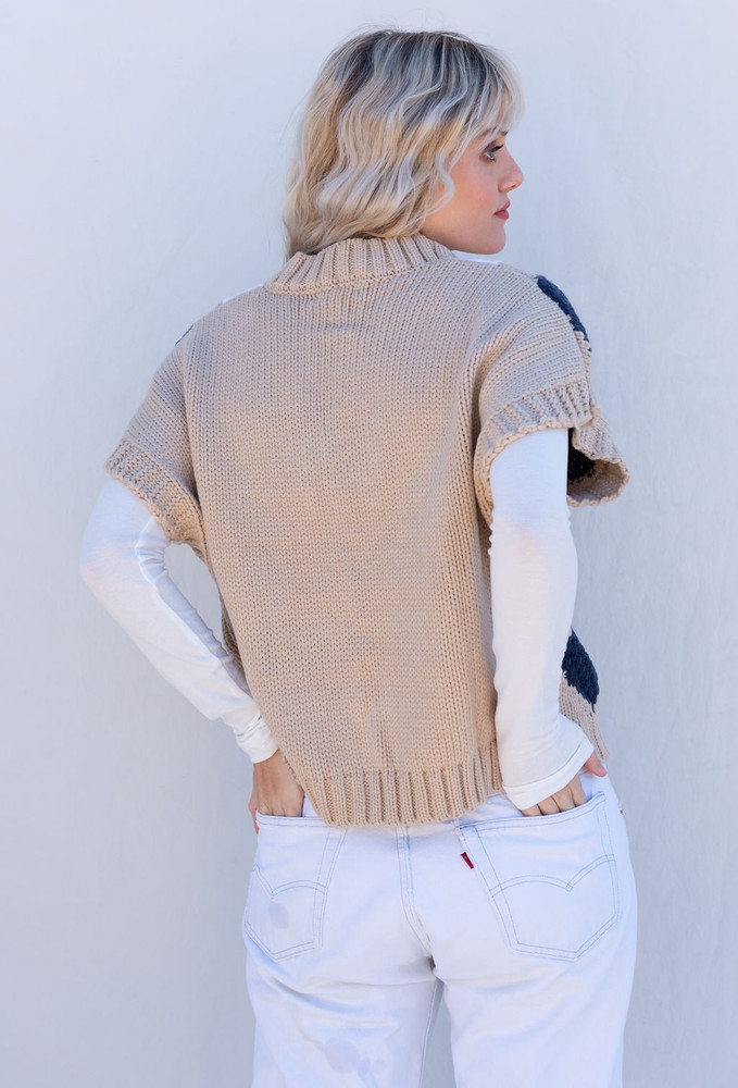 CALIstyle From London With Love Sweater Vest In Taupe/Navy