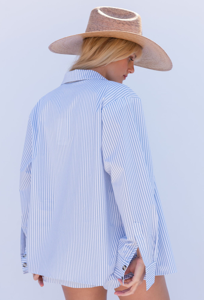 CALISTYLE Hideaway Button Down Shirt In White/Blue Stripe