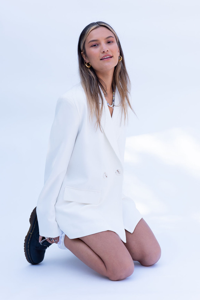 CALIstyle She's The Girl Blazer In Off White