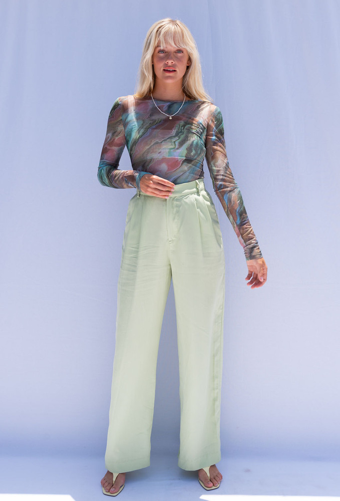 CALIstyle State Of Mind Mesh Top In Green Marble