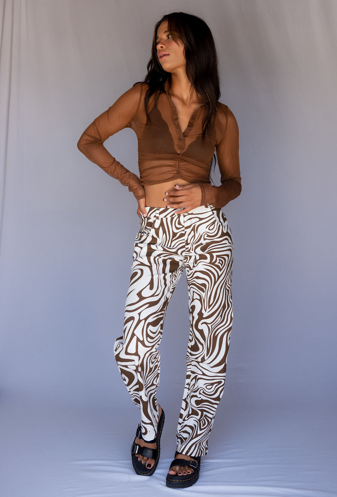 CALIstyle Catching Waves Jeans In Brown Swirl