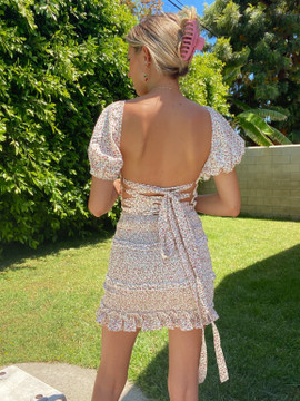 CALIstyle Abigail Lace Back Mini Dress In Peach Floral