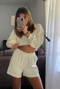 worn with matching Creme de la Creme Crop Sweatshirt on beauty @natalylorenzo