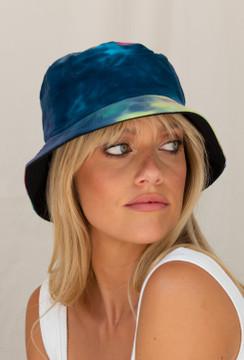 CALIstyle Madison Reversible Tie Dye Bucket Hat In Ocean