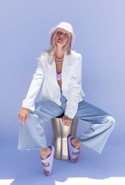 CALIstyle Hamptons Crop Blazer In Off White