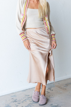 CALIstyle French Cafe Satin Midi Skirt In Champagne - Restock