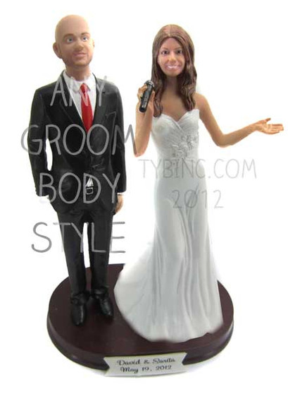 Singing Bride and Groom Cake Topper