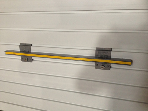 24″ Magnetic Tool Bar