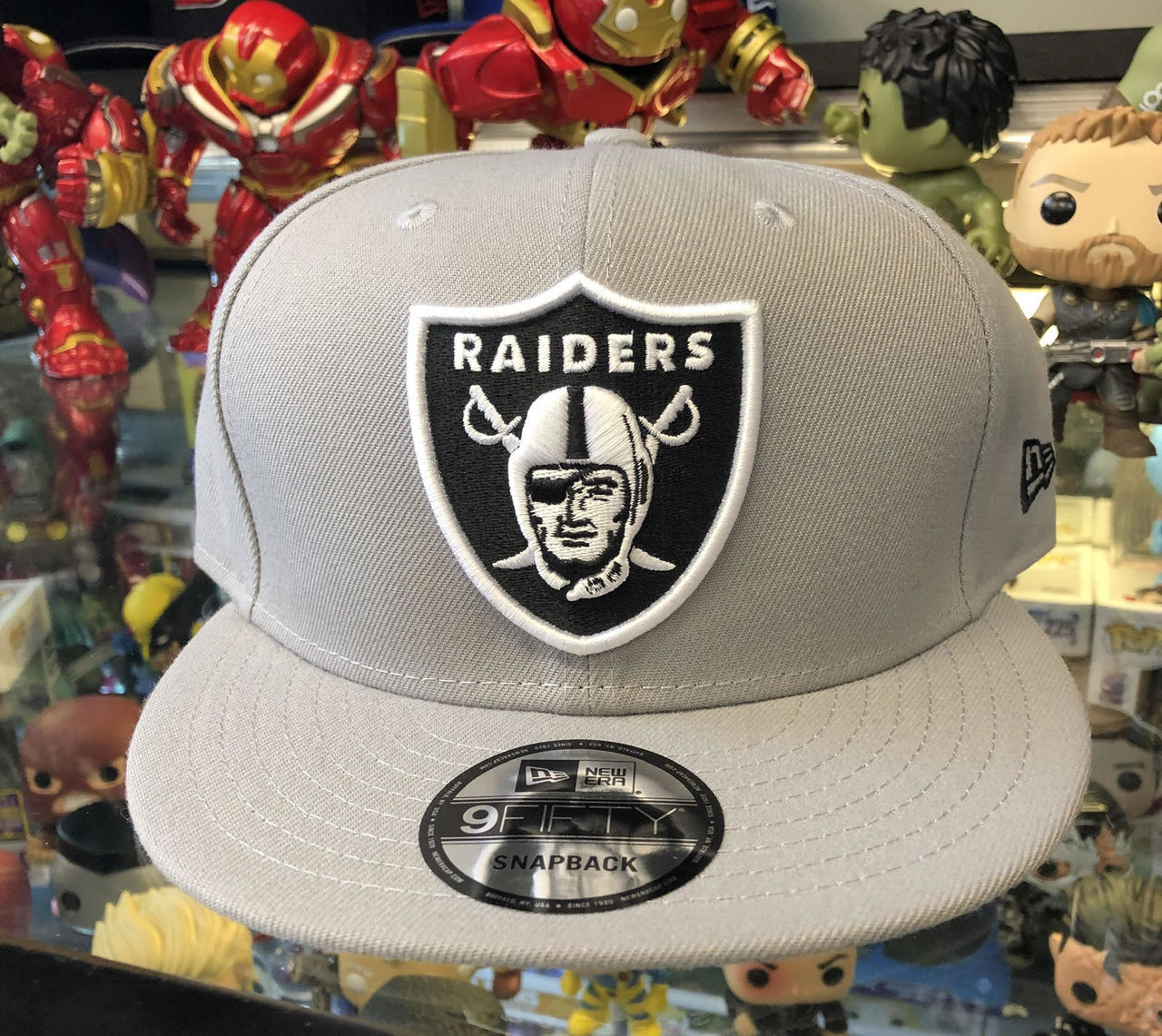 d53ddfc5d325a Oakland Raiders Grey New Era 9Fifty NFL Snapback Hat