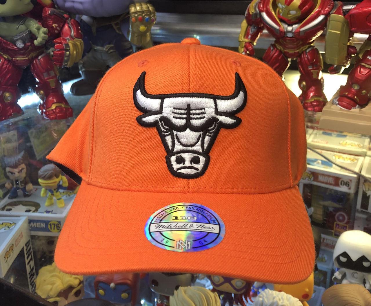 fa9f17b92ab354 Chicago Bulls Flex Pop Orange Logo Mitchell & Ness Snapback Hat