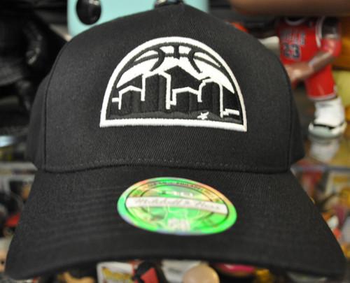 Denver Nuggets Black & White Logo Flex Mitchell & Ness Black Snapback Hat