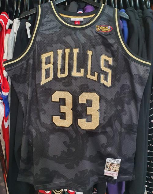 Chicago Bulls Scottie Pippen 33 Gold Toile Mitchell & Ness Swingman Jersey