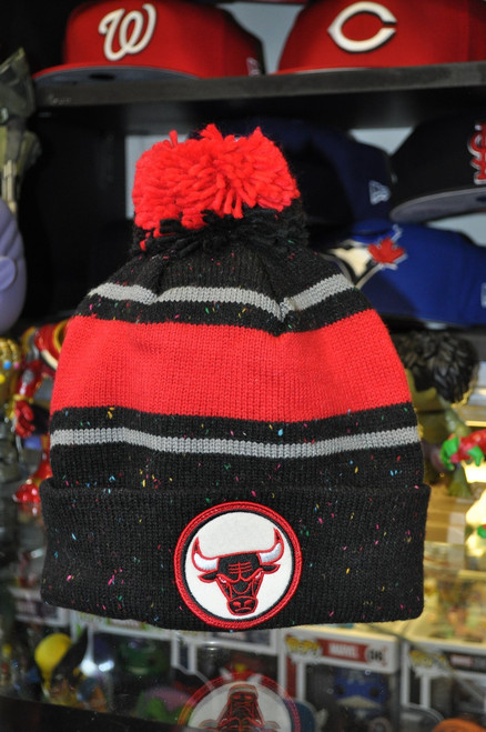 Chicago Bulls Logo Mitchell & Ness Black, Red & Grey Beanie Hat