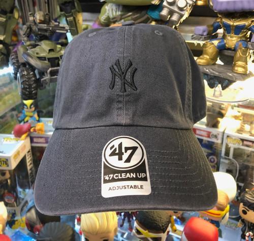 3bf30c40 New York Yankees Small Logo Vintage 47Brand MLB Strapback Clean Up Hat