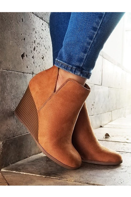 The Betty Wedge, Cognac