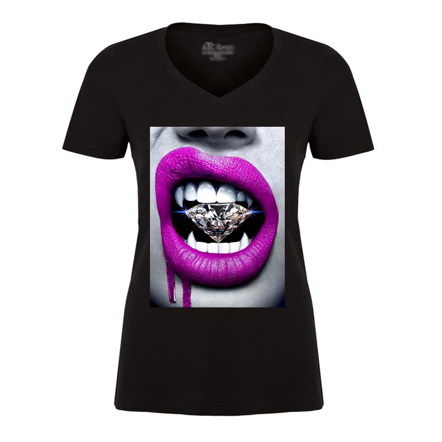 Women'S Pink Lips Vampire Biting Diamond - Tshirt
