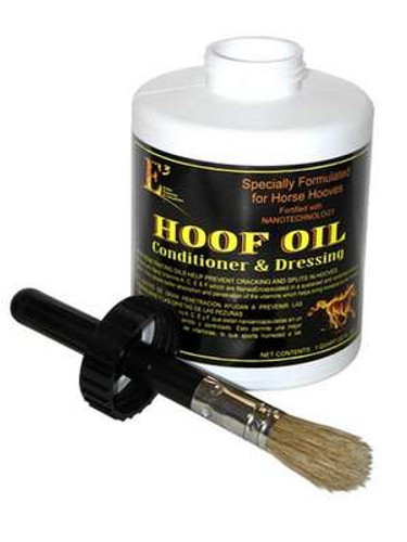 This hoof oil has a better absorption and penetration of the vitamins, which helps bring moisture to the hooves.