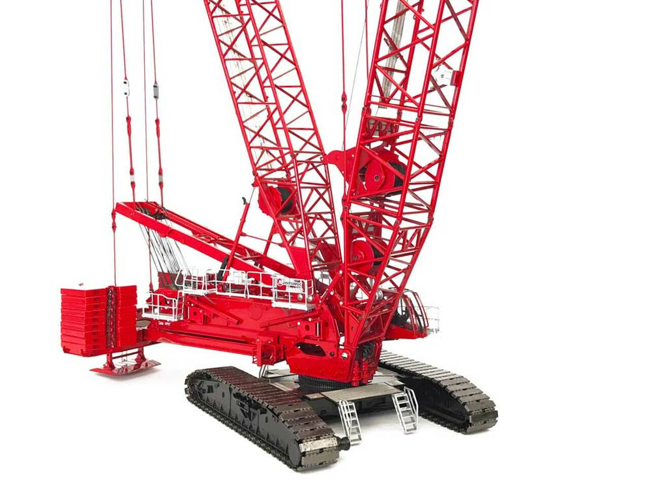 This Pre-Production Metal Sample Manitowoc MLC650 is one of the most configurable cranes in the market.