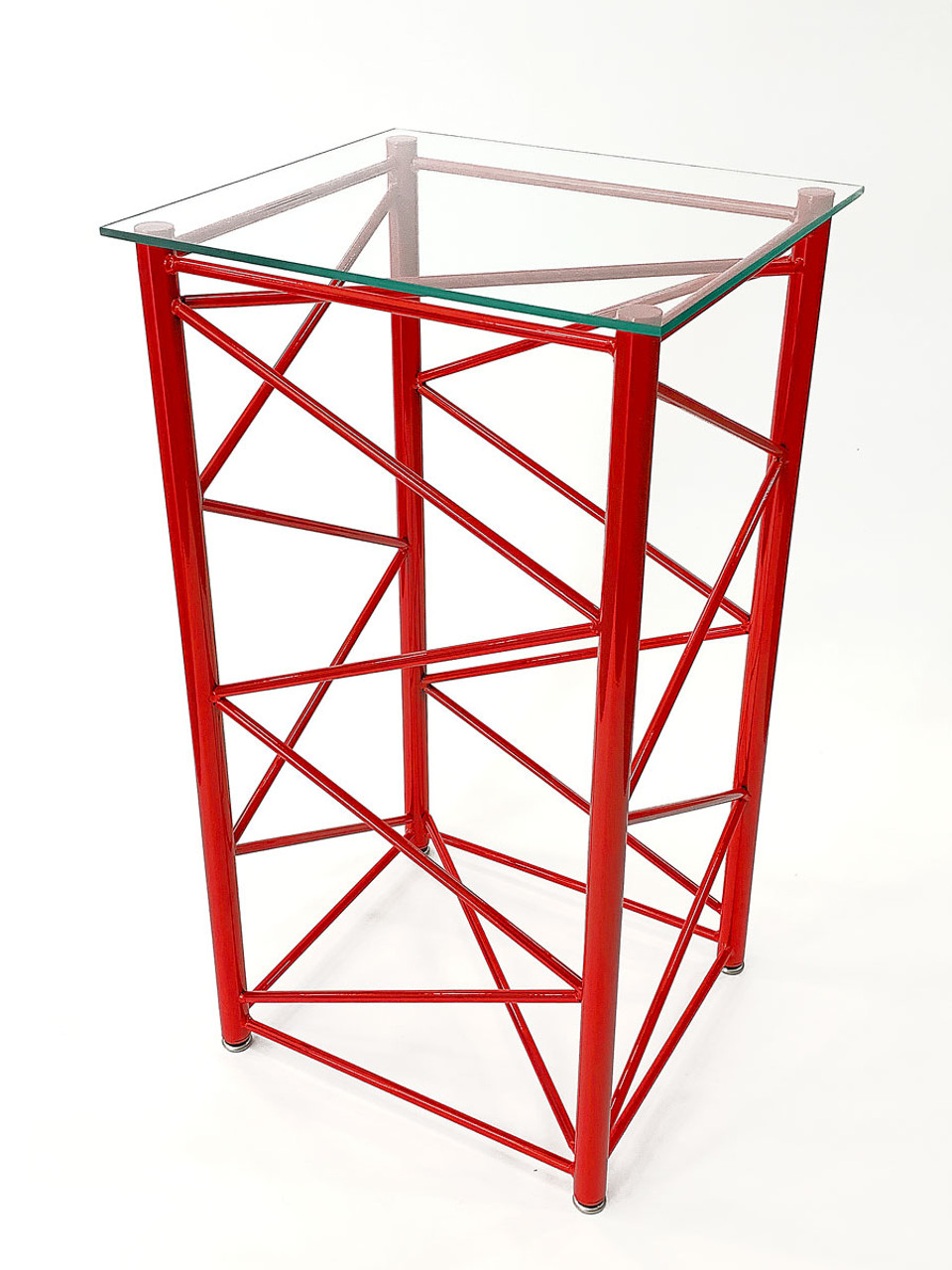 Vertical Lattice Boom Section Display Table - Manitowoc Red