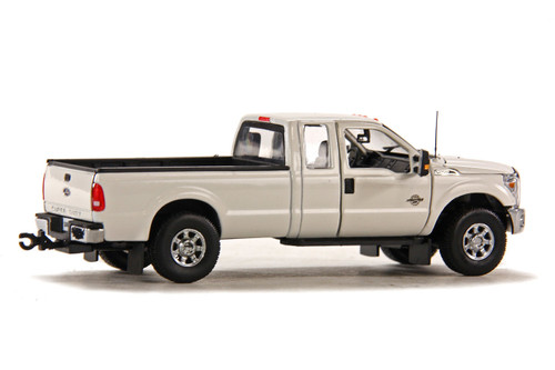 Ford F250 Pickup Truck w/Super Cab & 8ft Bed - White w/Chrome