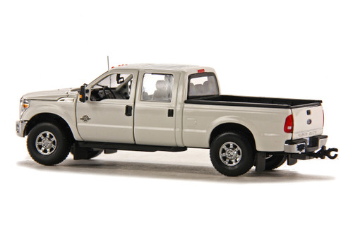 Ford F250 Pickup Truck w/Crew Cab & 6ft Bed - White/Chrome