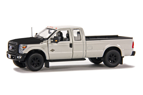 Ford F250 Pickup Truck w/Super Cab & 8ft Bed - White/Black
