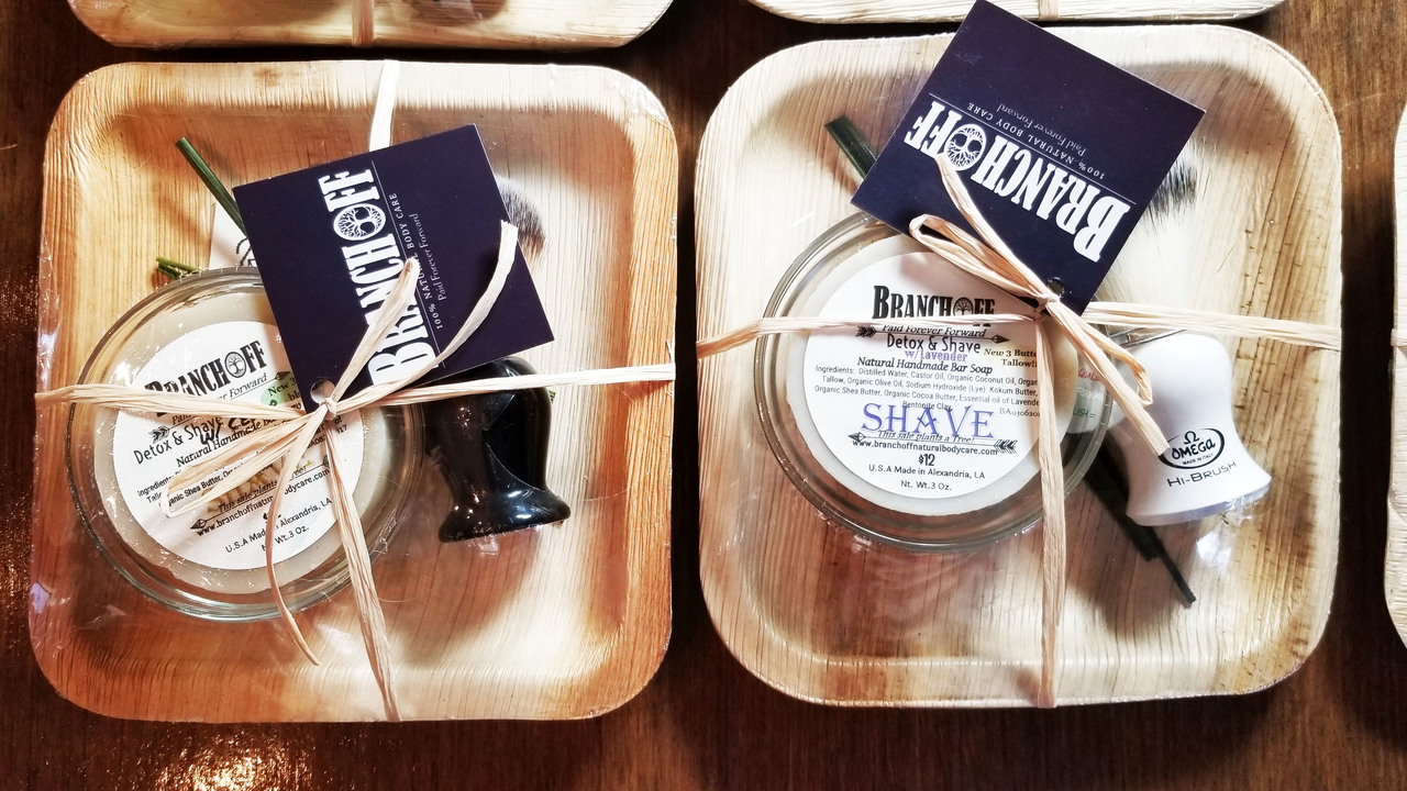 Give the Gift of Quality and Nostalgia with this Shaving Set!