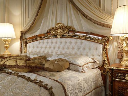 Bedroom Furniture Set Walnut & Gold