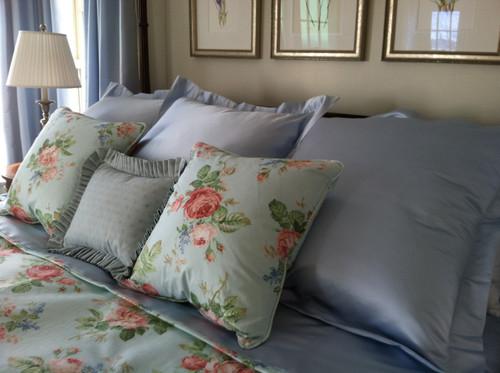 Traditional bedding, Bedspread & Pillows Cowtan & Tout