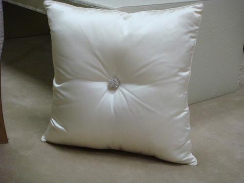 Thundersley Home Essentials Inc. Carnaby Street Throw Pillows 212 889 1917