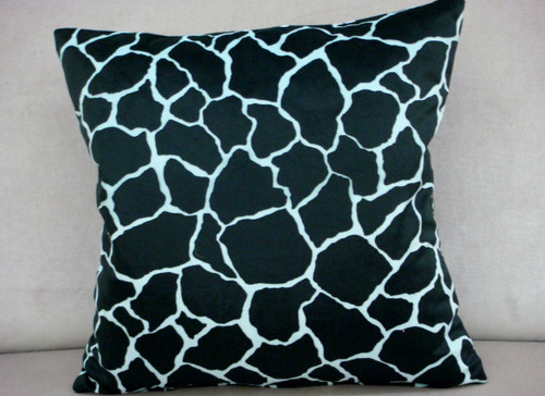 Giraffe Throw Pillow cover