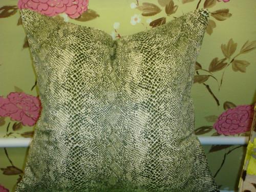 Snakeskin Throw Pillow Cover, Color Green & White Velvet
