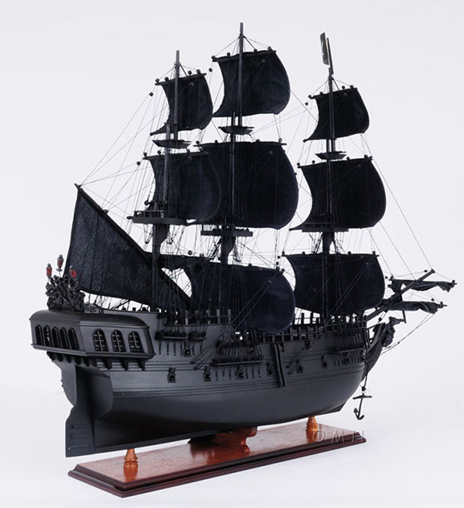 Black Pearl Pirate Ship, Medium