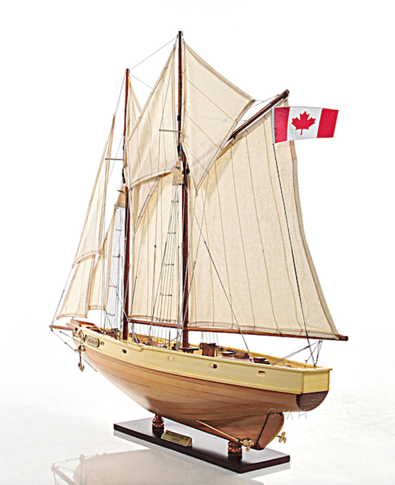 Bluenose II Small Yacht Model