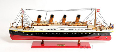 Titanic Medium Version Ocean Liner Painted