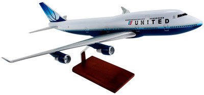United Airlines Boeing 747-400 1/100 Model Airplane
