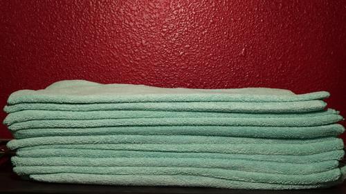 MICROFIBER TOWEL GREEN (12 pack)
