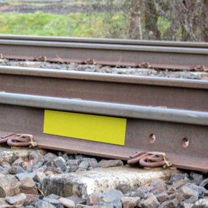 LabelTac® Magnetic Railroad Track Clearance Markers