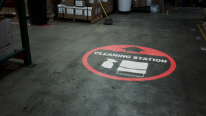 Cleaning Station Arrow with Icon Red - SignCast S200 Virtual Sign
