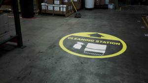 Cleaning Station Arrow with Icon Yellow - SignCast S200 Virtual Sign